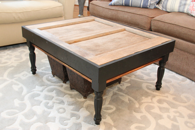 The old door coffee table unskinny boppy for Old door into coffee table