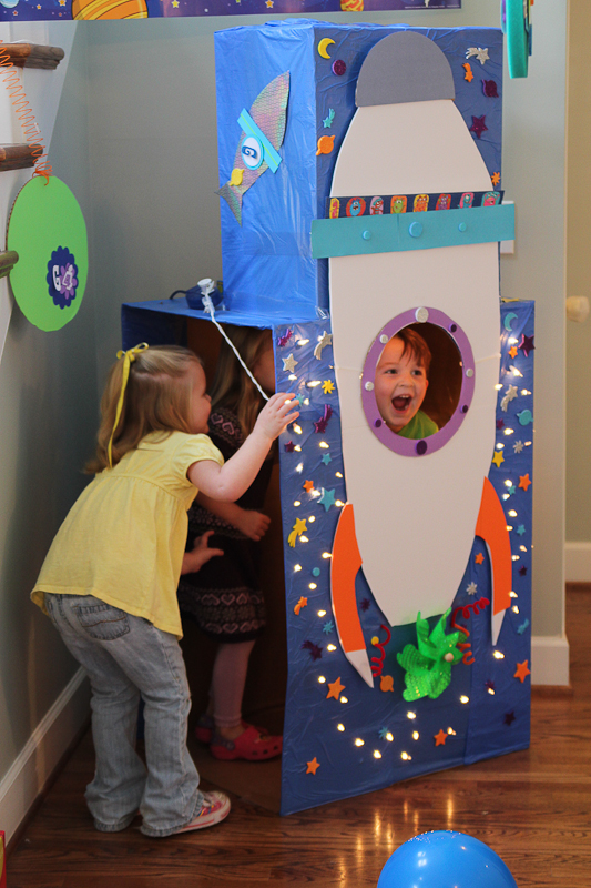 Garrett S Blast Off A Rocket Ship Themed Birthday Party Unskinny