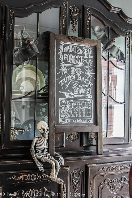 Krylon-Chalkboard-Paint-Halloween-Ideas-9.jpg