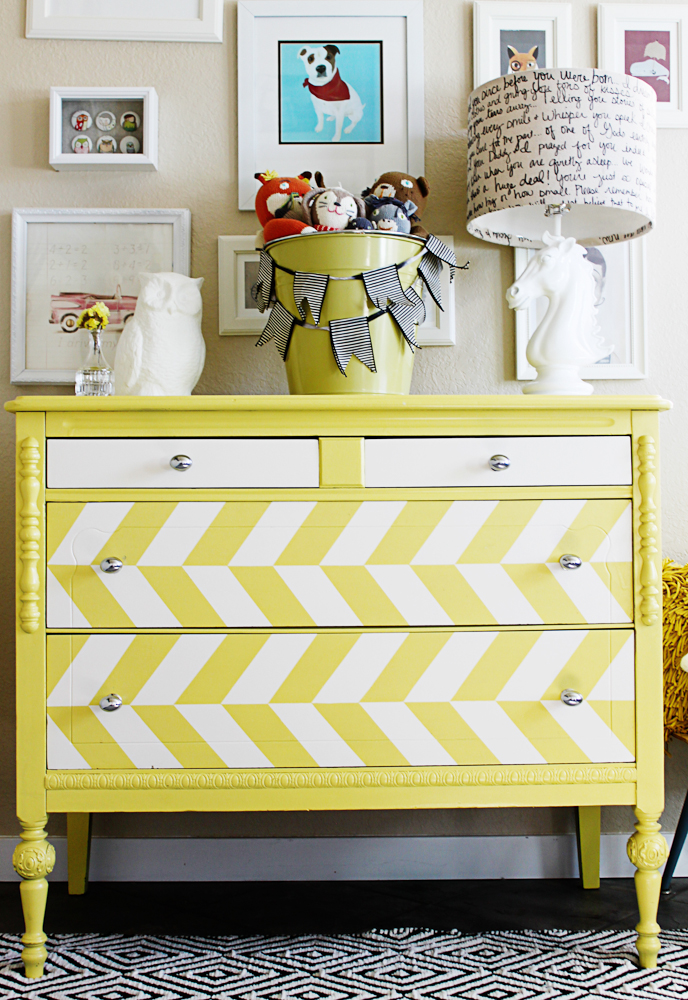 Big Boy Bed and toddler decorating ideas - a little glass box-3