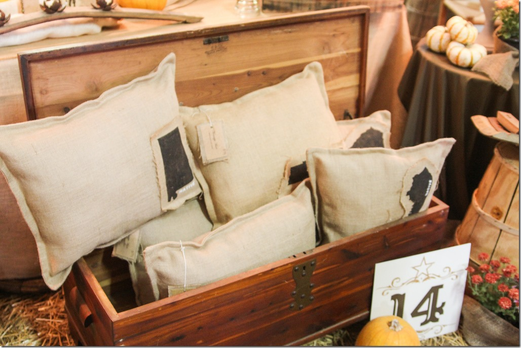 Bella Rustica Nashville 2012 Peachy Magnolia Booth burlap pillows with states