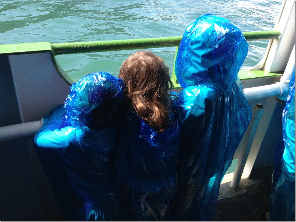 kids on the maid of the mist
