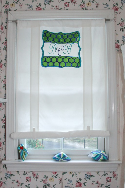 Easy diy monogrammed curtain with decoart paints unskinny boppy