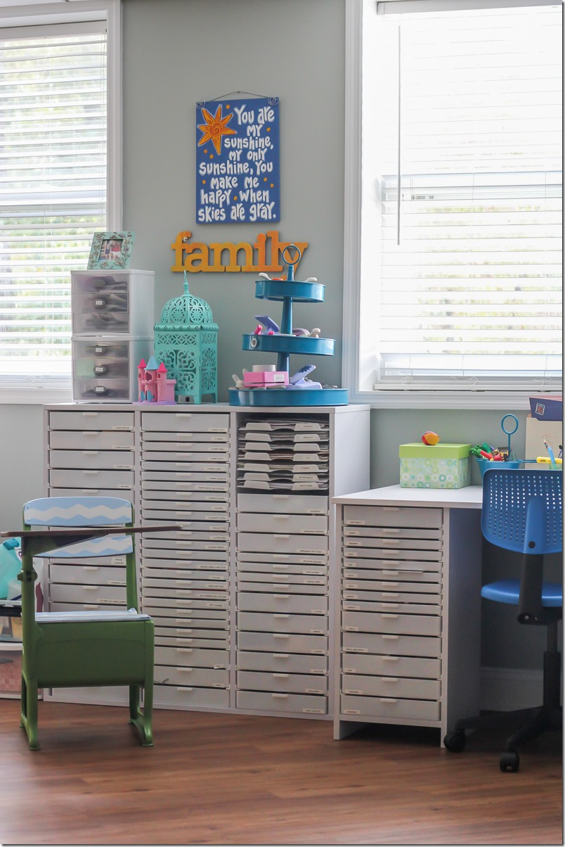 Awesome Scrapbooking and Craft Room-6