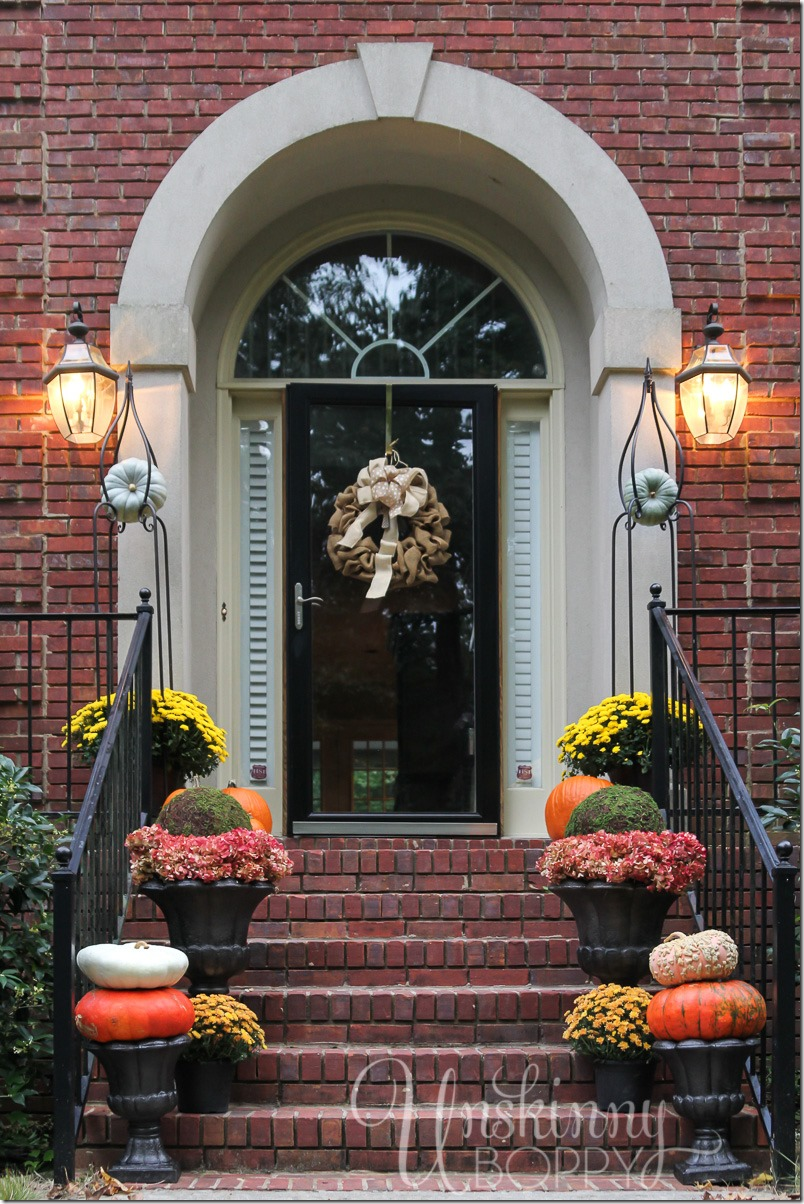 Fall Porch Decor with Plants and Pumpkins - Unskinny Boppy