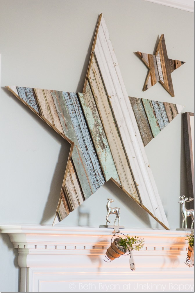 This DIY wood star mantlepiece turned out so beautifully and it looks perfect on the mantle!