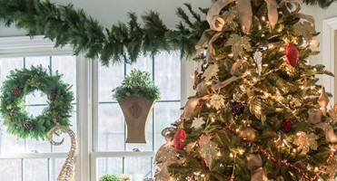 Balsam Hill Christmas Tree Gift Card Giveaway
