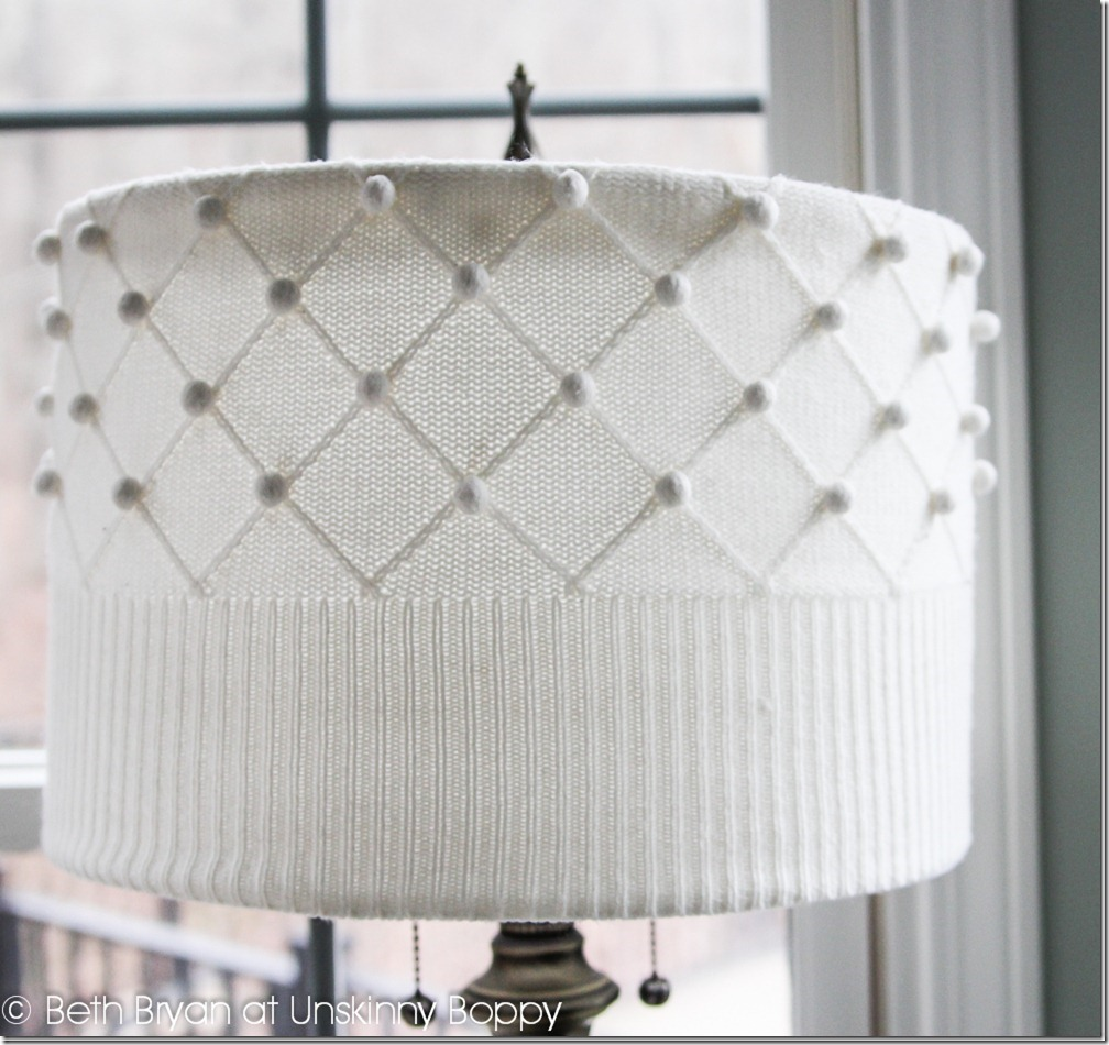 DIY-Sweater-Lampshade-Tutorial-by-Unskinny-Boppy-www.unskinnyboppy.com-2_thumb