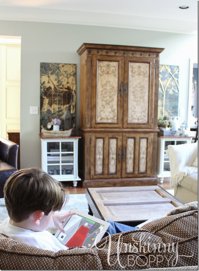 Your end table decorations might go unnoticed by your kids but having the small decorations brings personal touches to the room that you'll love to see every day.