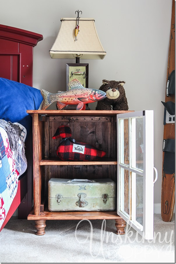 DIY night stands made from old Coca Cola crates-1-2