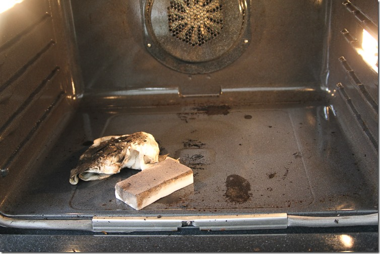 How to clean your oven-3