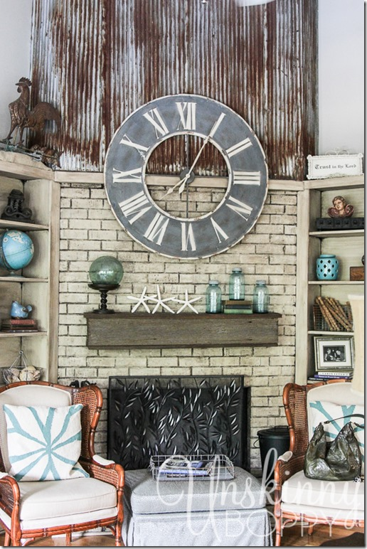 My friend Dana's house is a design dream. So many amazing things, everywhere I look. I was so inspired. Here's a picture of her fireplace mantel set up!