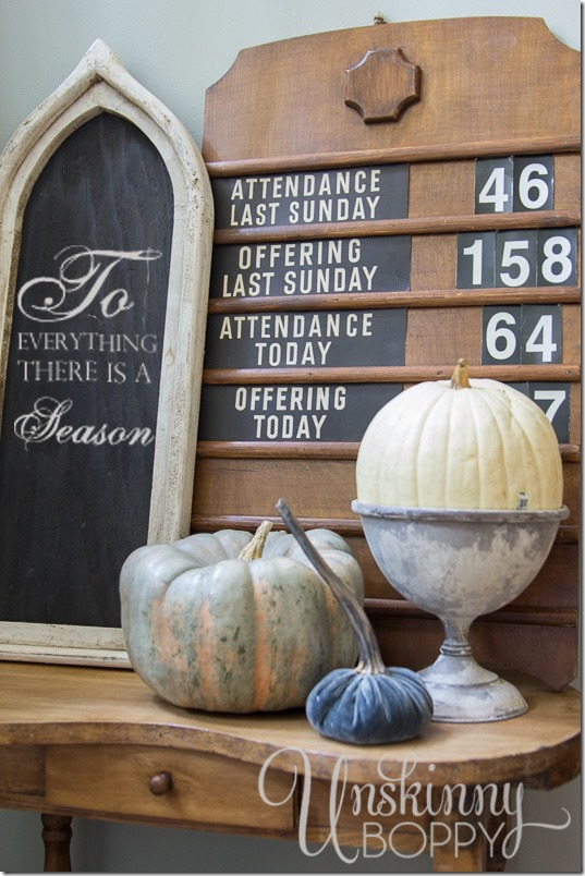 Pretty Fall Decorating Ideas for a side table