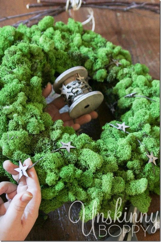 DIY Reindeer Moss Wreath-10