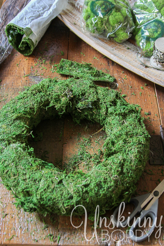 DIY Reindeer Moss Wreath-5
