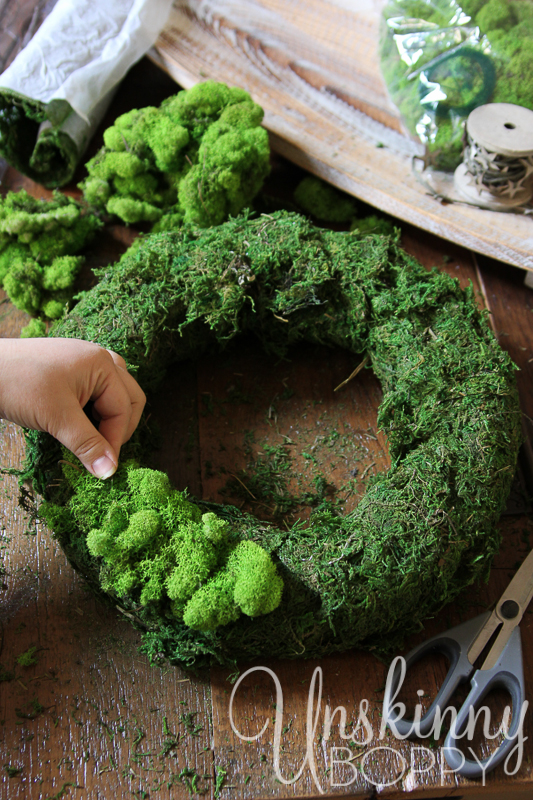 DIY Reindeer Moss Wreath-6