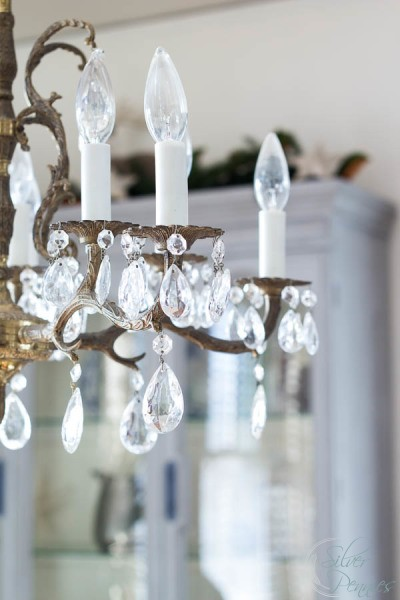 Brass-and-Crystal-Chandelier-at-Christmas-400x600