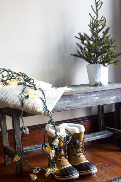 Christmas-Bench-400x600
