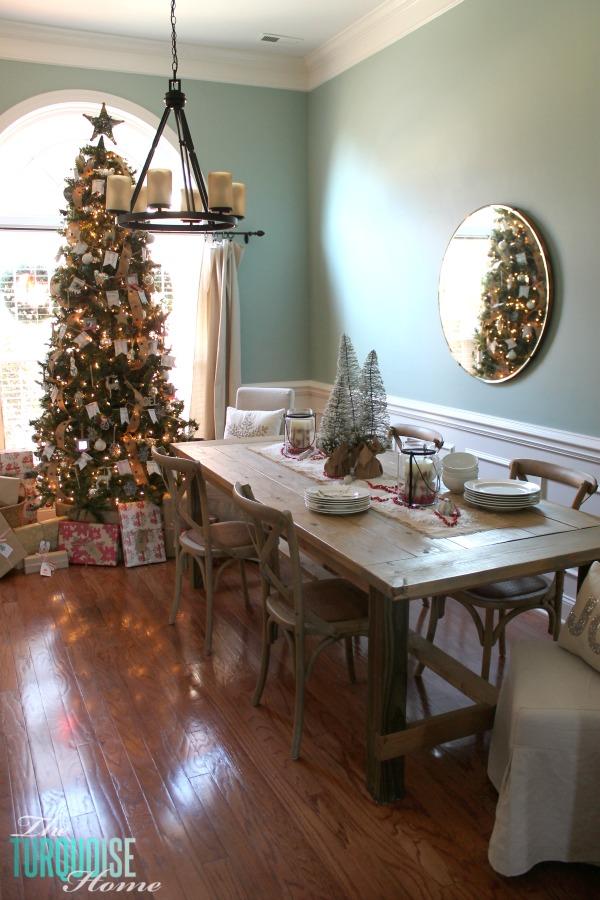 Christmas-Dining-Room-Rustic-Tree