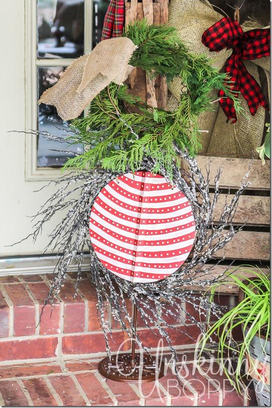 Christmas Porch decorating ideas-12