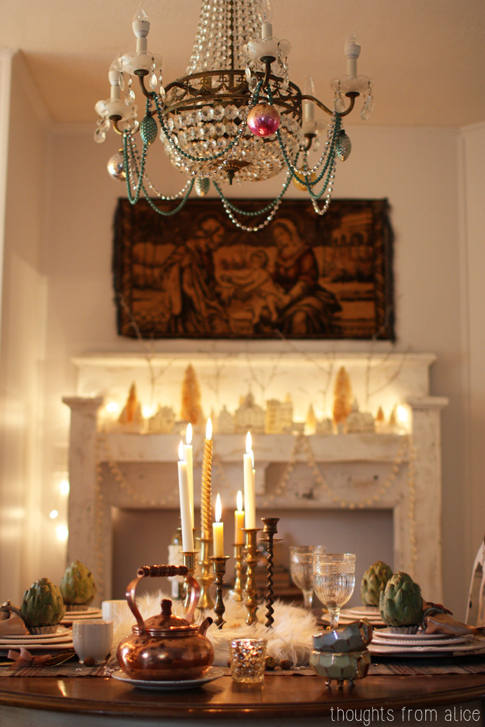 Romantic-Eclectic-Holiday-Dining-Room