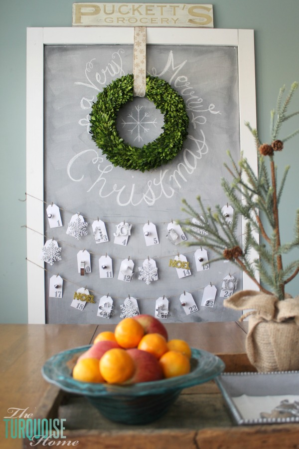 christmas-chalkboard-avent-calendar-boxwood-wreath