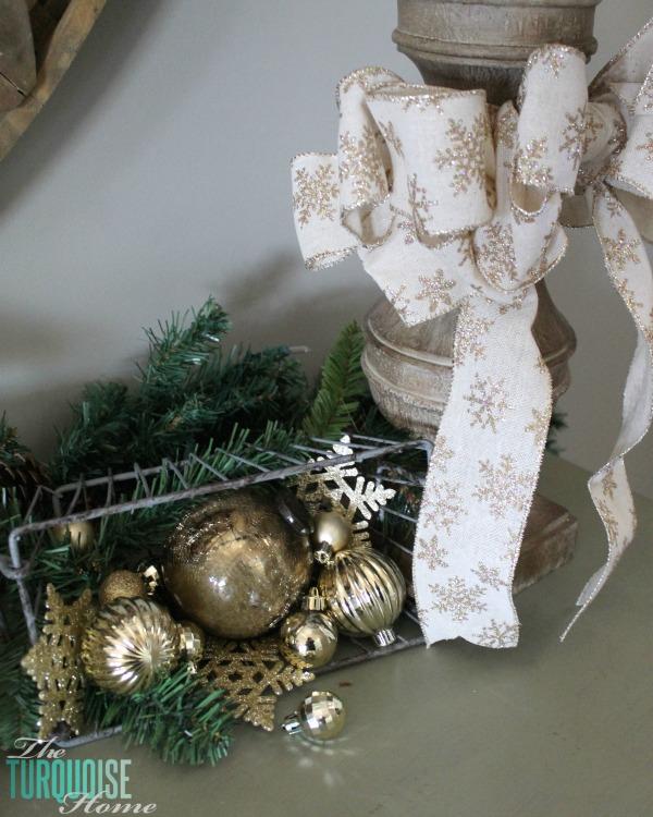 glittery-burlap-bow-gold-ornaments-christmas-decor