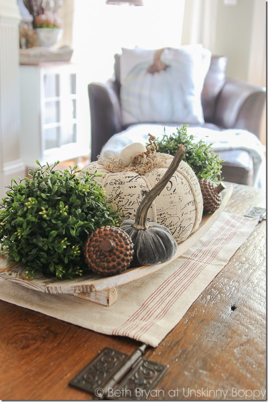 Fall Mantel Decor-4