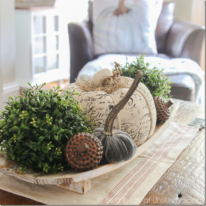 TONS of great Fall Decorating ideas inside this post!