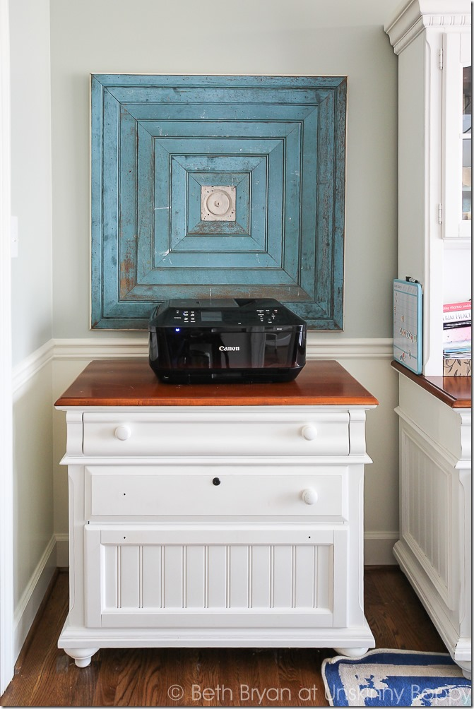 That huge blue beadboard accent. Awesome for an empty wall