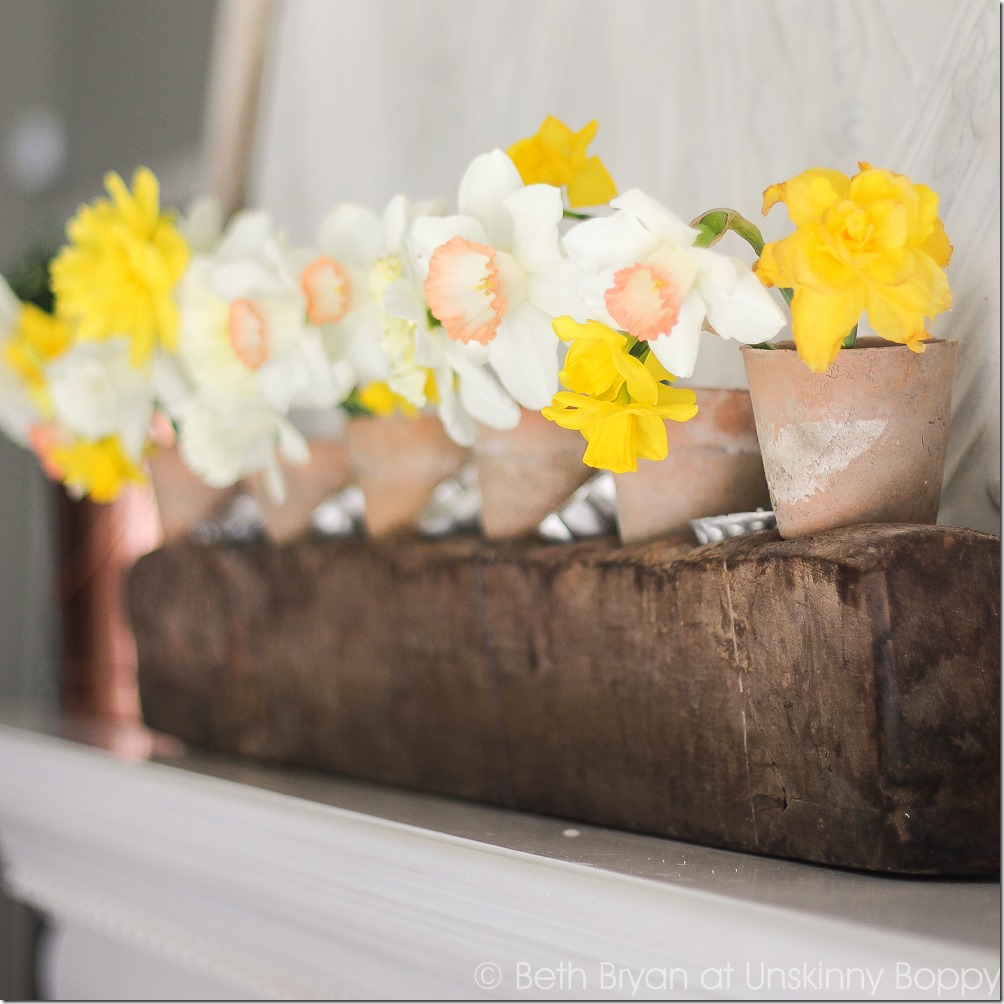 Spring mantel decorating ideas | Cozy Spring Home Tour | www.unskinnyboppy.com