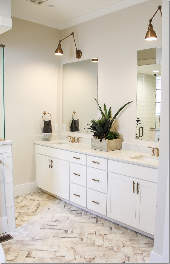 LOVE that floor tile in this beautiful #modernbathroom #bathdecor