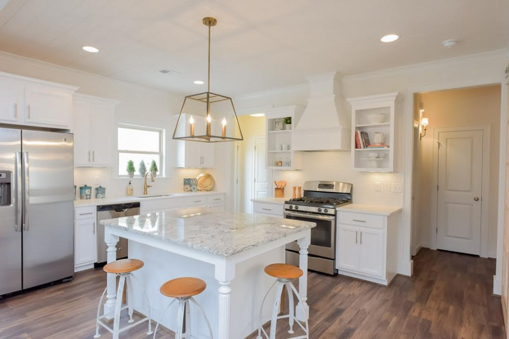 White kitchen with pretty island