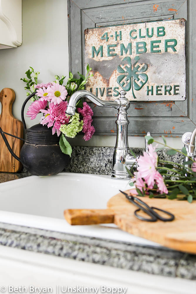 Moen Weymouth Kitchen faucet (farmhouse style) (8 of 15)