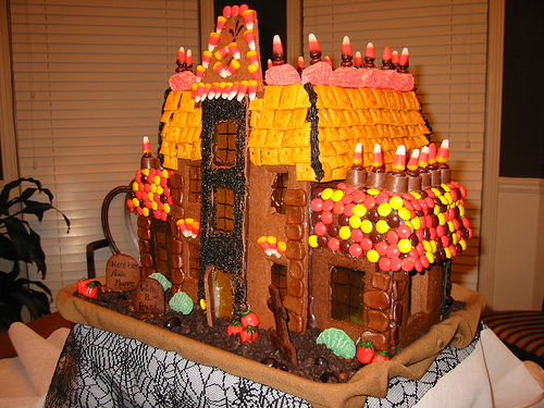 haunted-gingerbread-mansion