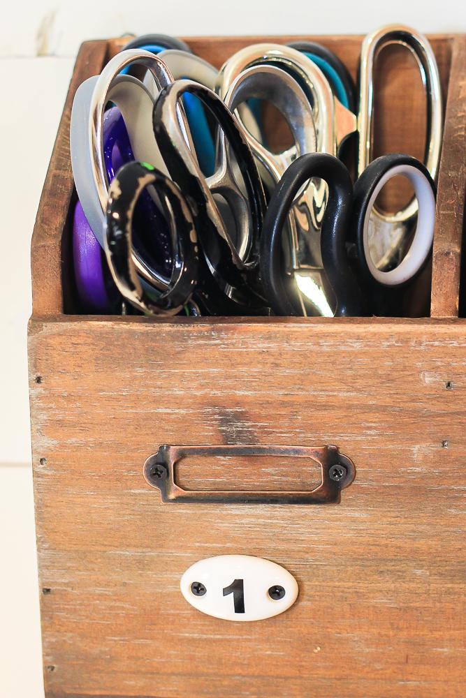scissor storage-1