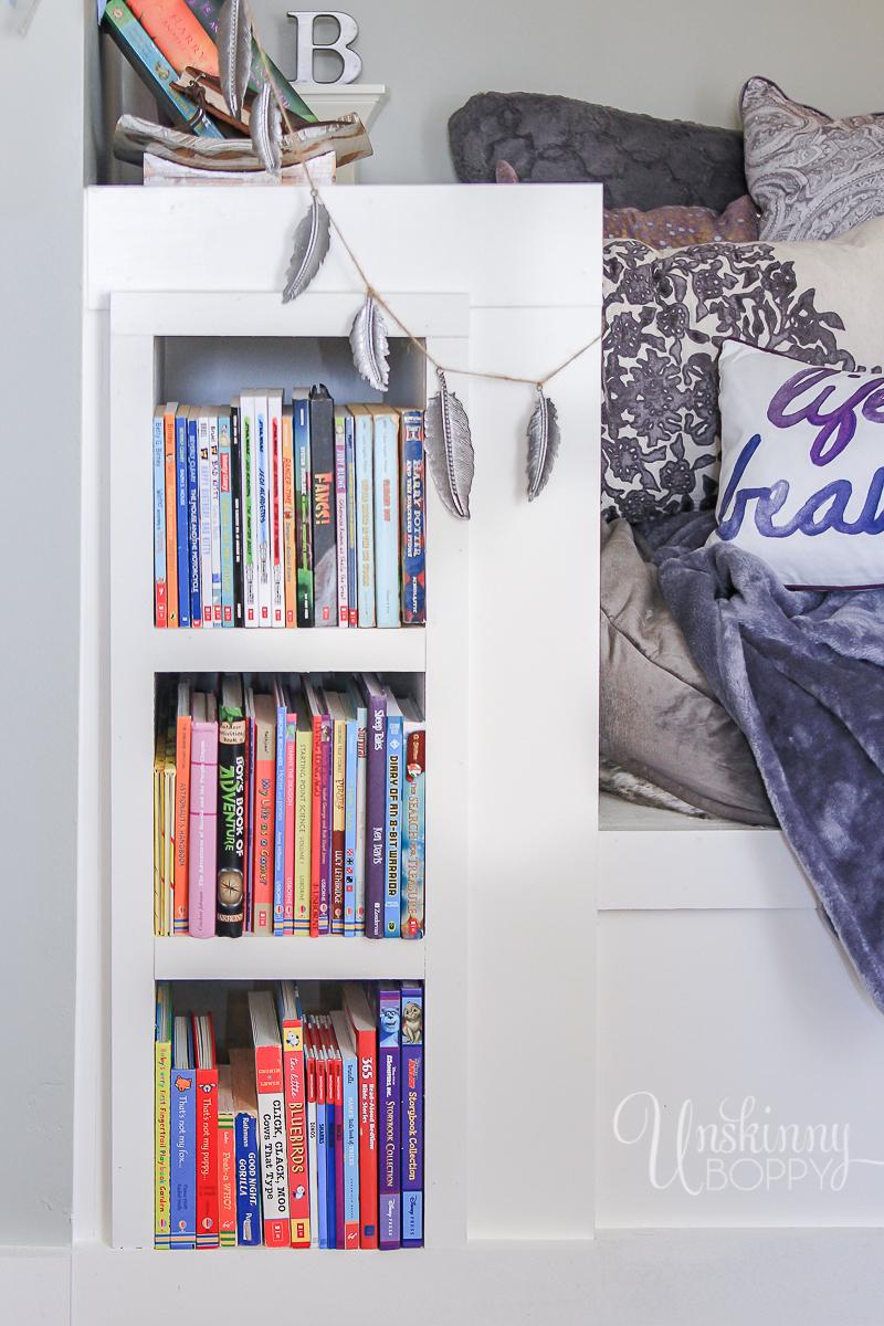 Cozy-Built-in-book-nook-in-attic-3
