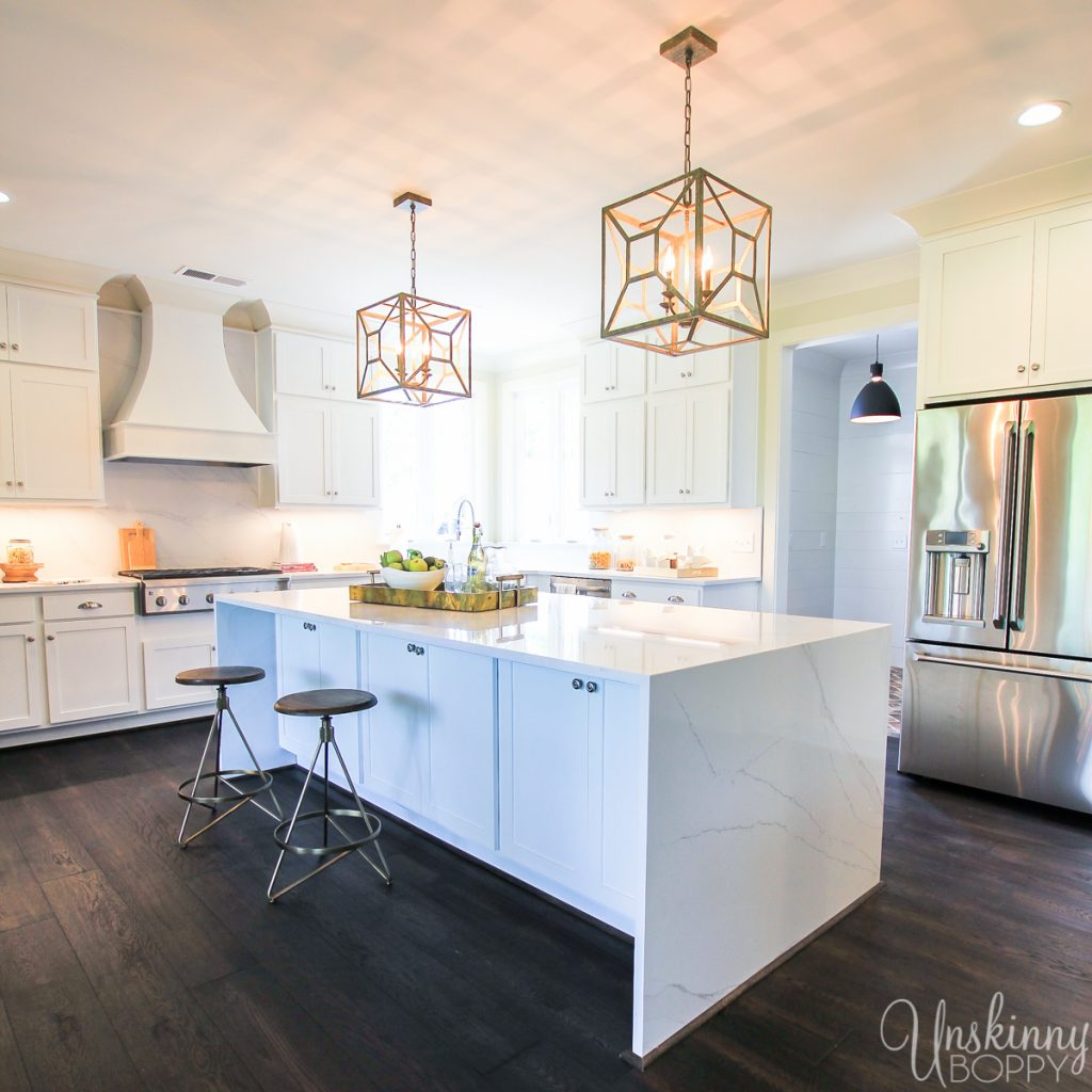 Kitchen with modern pendant lighting over island