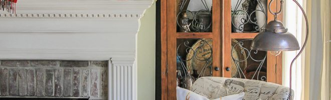 The Christmas-to-Winter Mantel Transition