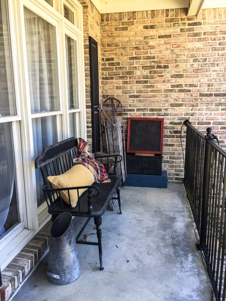 Ugly porch before decor