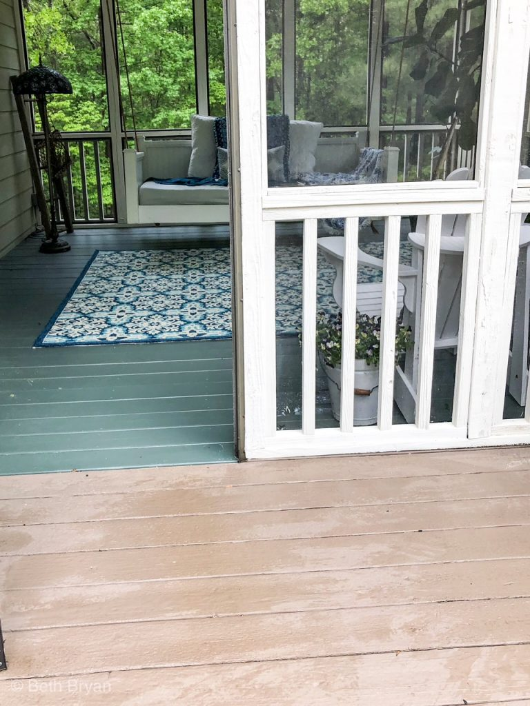 Contrasting porch paint colors from brown to green