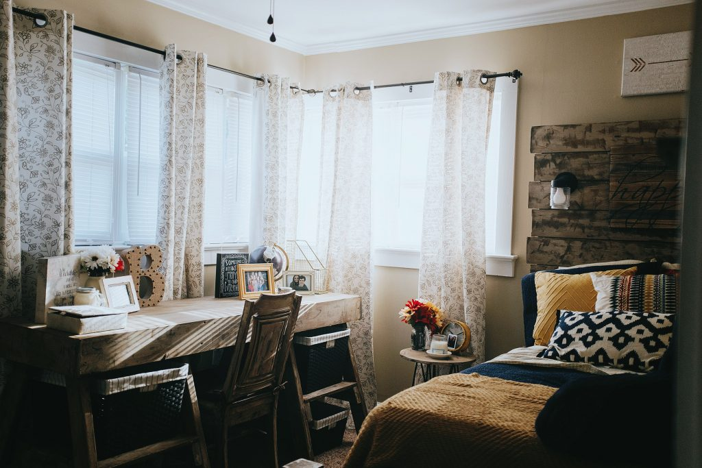 diy dorm room decorating ideas and my college confessions