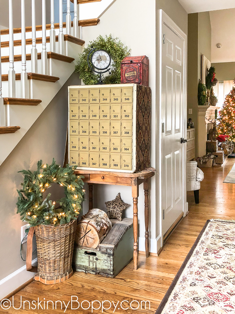 Vintage Christmas decorating ideas for the foyer and front porch