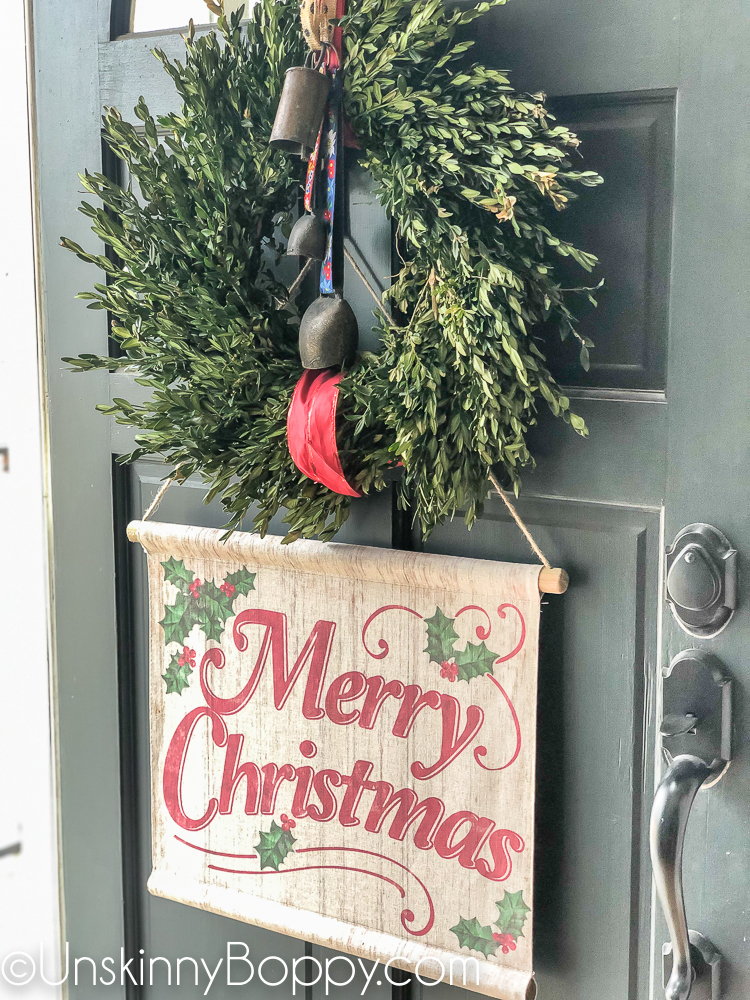 Vintage Christmas decorating ideas on front porch