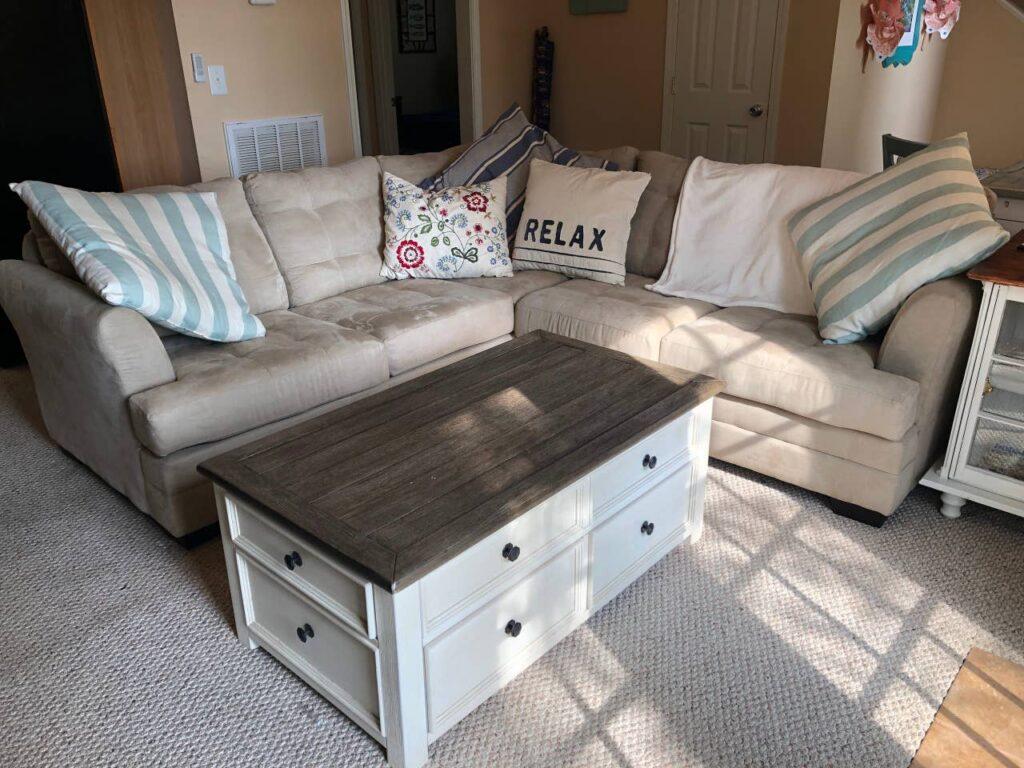 lake house living room with sectional sofa