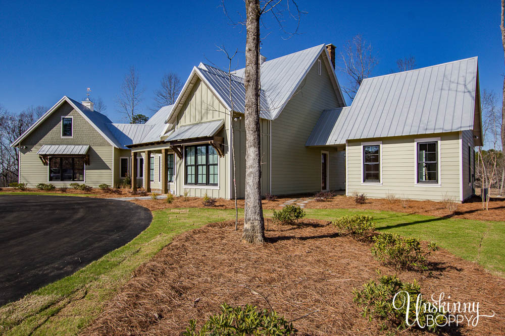 Modern Farmhouse with detached mother-in-law suite
