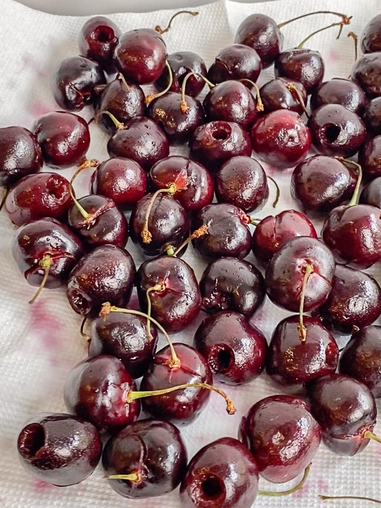 pitted fresh cherries
