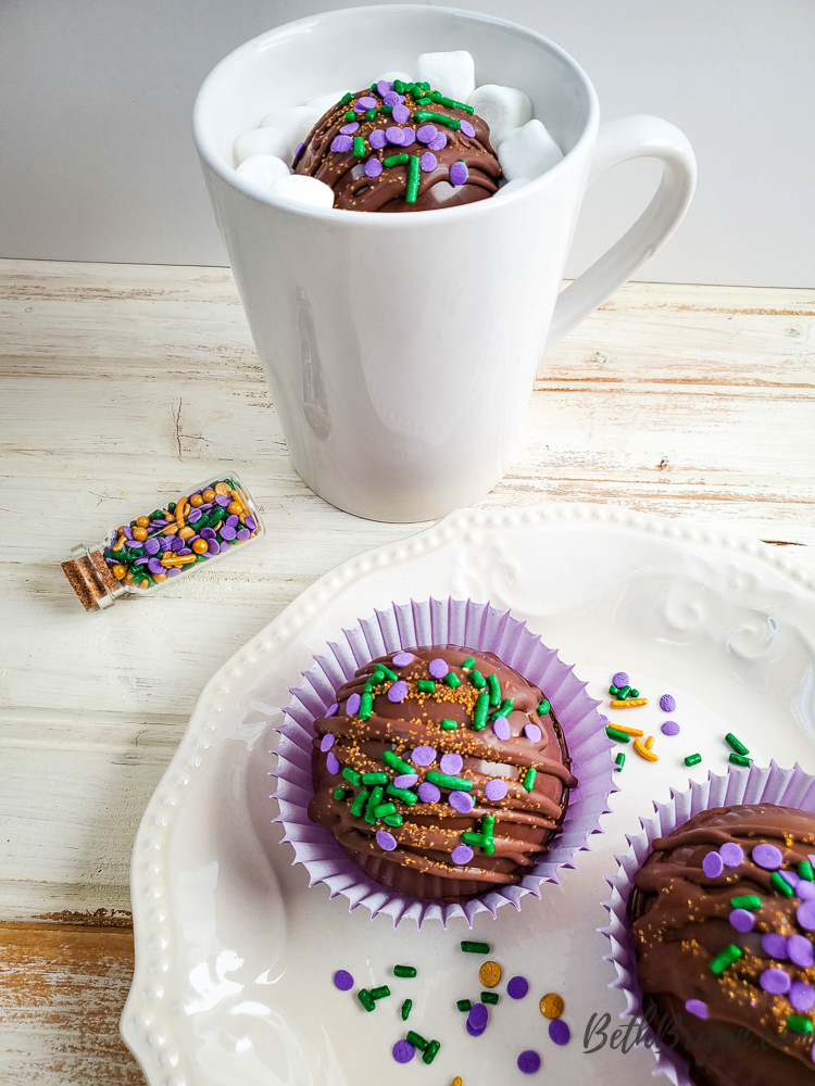 How to make hot chocolate bombs for mardi gras