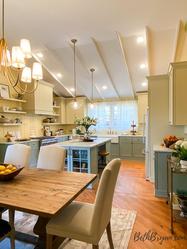 Kitchen and dining room at Big Fish