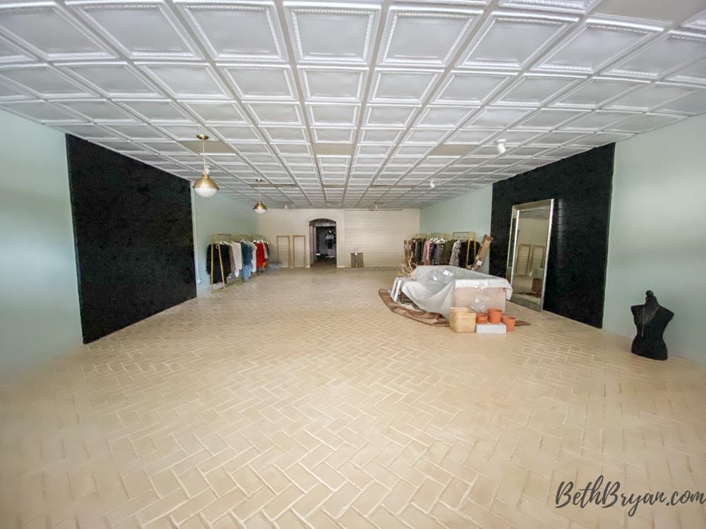 faux brick flooring at Tapp18